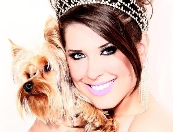 Andressa e seu cachorro Domzinho
