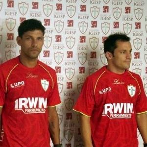 Meia Rafael Chorão, zagueiro Moisés Moura e volante Corrêa são apresentados como novos reforços da Portuguesa (03/01/2013)