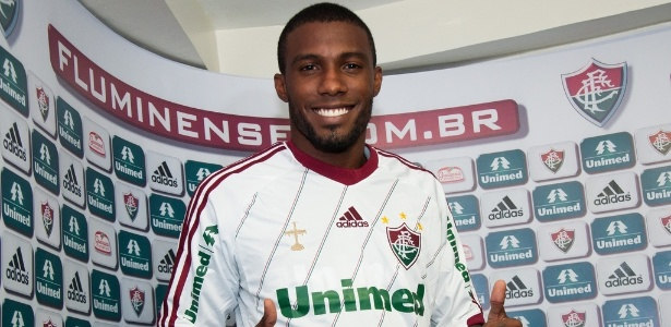 Rhayner foi apresentado oficialmente pelo Fluminense nesta quinta-feira