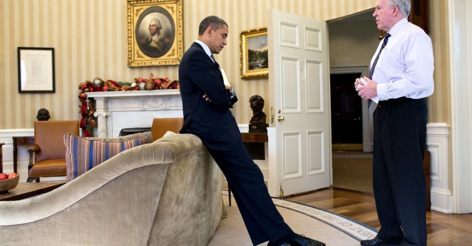 3.jan.2013 - O presidente dos EUA, Barack Obama, reage à notícia do tiroteio que matou 26 pessoas na escola primária Sandy Hook em 14 de dezembro, nesta imagem liberada nesta quinta-feira (3). Obama disse, posteriormente, em entrevistas, que aquele tinha sido o pior dia de sua presidência
