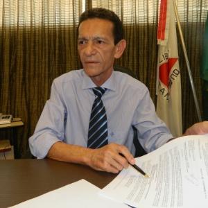 Prefeito de Santa Luzia (MG), Carlos Calixto (PSB), durante entrevista em seu gabinete - Divulgação/Prefeitura de Santa Luzia