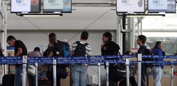 Alerta amarelo é ativado em aeroporto de Santiago após atentados em Bruxelas - Mario Ruiz/EFE