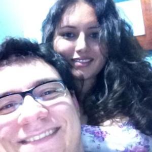 "Ivan, participante do ""BBB13"", e sua namorada Vanessa. O casal está junto há nove anos."