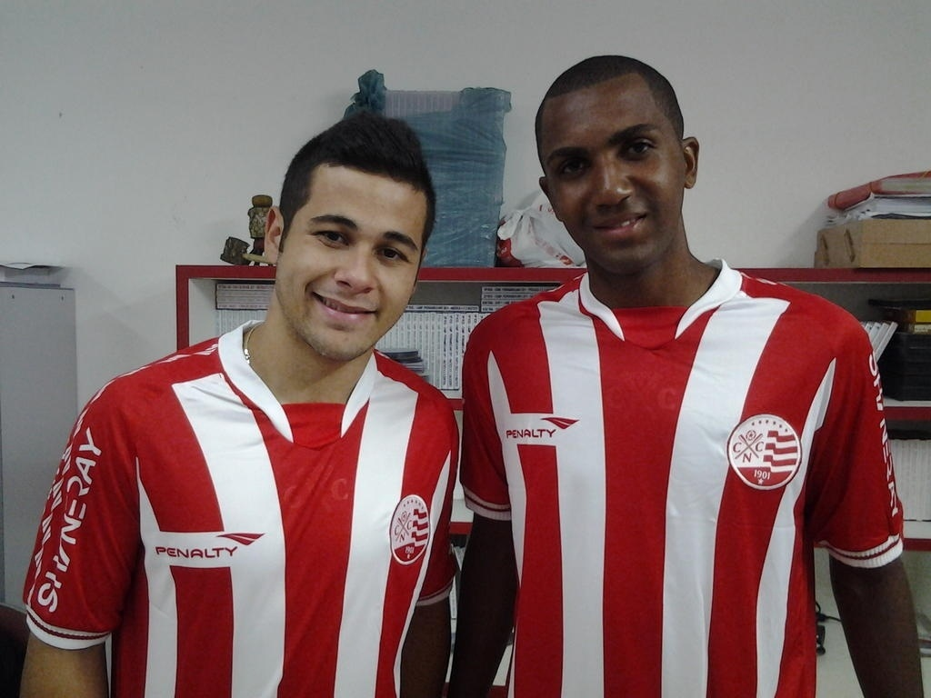 Lateral esquerdo Bruno Collaço e volante Marcos Paulo chegam para reforçar o Náutico em 2013 (04/01/2013)