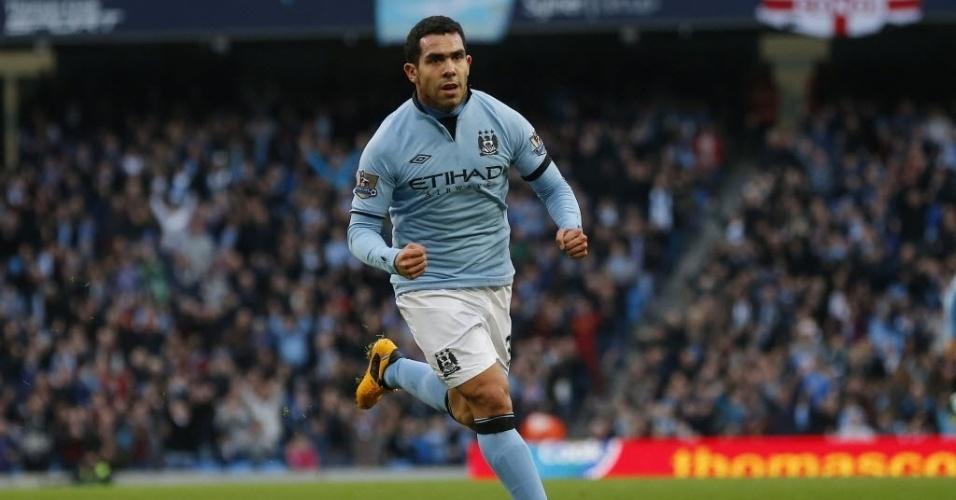 05.jan.2013 - Carlos Tevez comemora depois de marcar para o Manchester City na partida contra o Watfor, pela Copa da Inglaterra