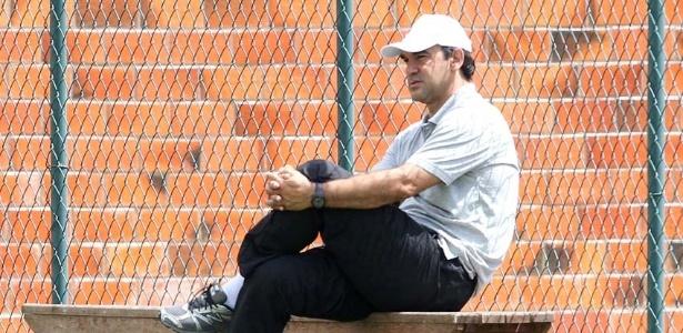 Ricardo Gomes acompanha o primeiro treinamento do Vasco em Pinheiral (05/01/2012)