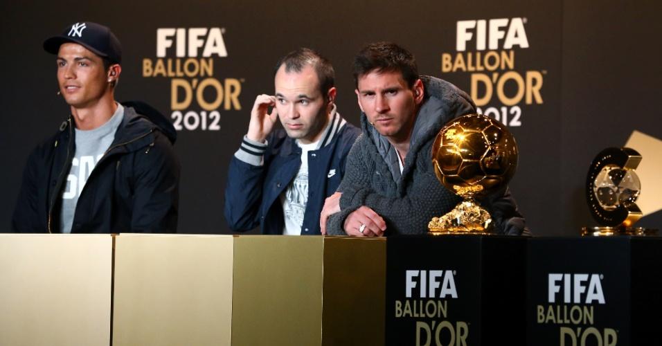 07.jan.2013- Cristiano Ronaldo, Andres Iniesta e Lionel Messi, candidatos ao Bola de Ouro 2012, concedem entrevista coletiva