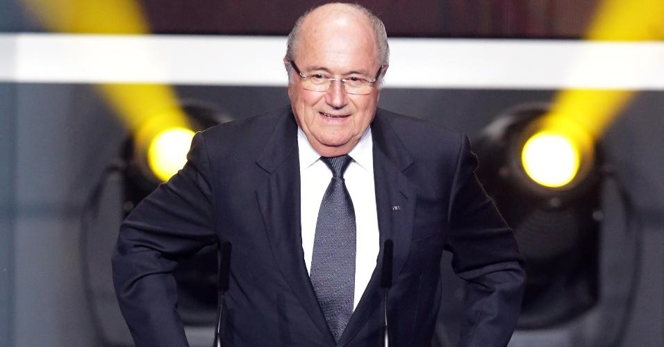 07.jan.2013- Presidente da Fifa, Joseph Blatter faz discurso contra o racismo no futebol no início da cerimônia de premiação do Bola de Ouro da Fifa 2012