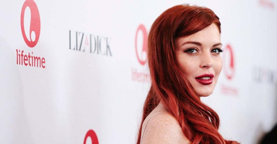 20.nov.2012 - Lindsay Lohan participa de jantar que promove o telefilme