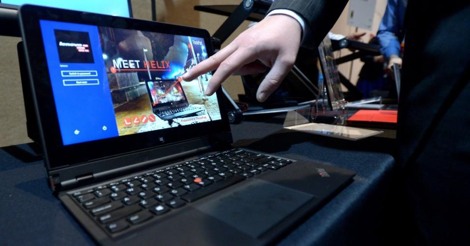 6.jan.2013 - Antes da abertura da feira, a Lenovo apresentou diversos computadores com o sistema operacional Windows 8. Clique em Mais para conhecer lançamentos da empresa na CES 2013