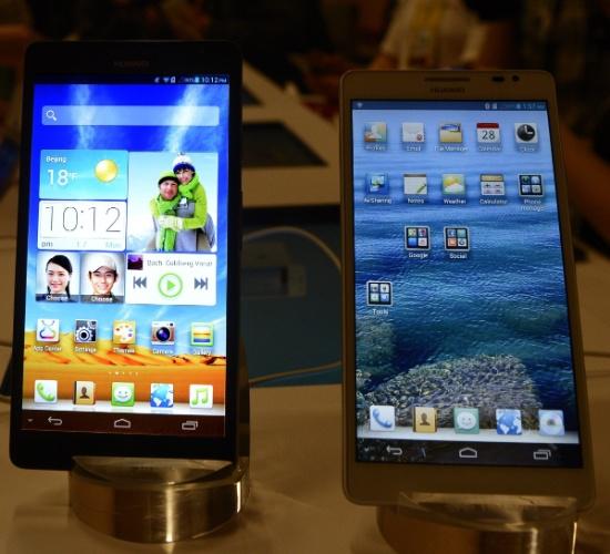 8.jan.2013 - A fabricante Huawei apresentou na feira de tecnologia CES, em Las Vegas, um smartphone com tela LCD de 6,1 polegadas. Trata-se do maior smartphone já produzido -- até seu anúncio, o maior aparelho era o Galaxy Note II, da Samsung, com tela de 5,5 polegadas. O celular chamado Ascend Mate tem processador quad-core (quatro núcleos) de 1,5 GHz, câmera de 8 megapixels e roda o sistema operacional Android 4.1 (Jelly Bean). Ele estará disponível no mercado chinês em fevereiro, ainda sem preço anunciado