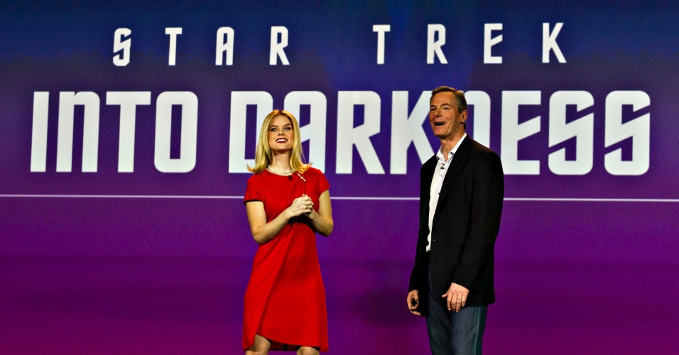 8.jan.2013 - Alice Eve, atriz do filme ''Star Trek: Into Darkness'', que ainda será lançado nos Estados Unidos