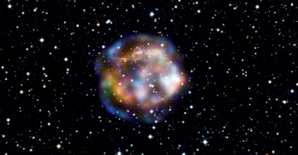 8.jan.2013 - Imagem do telescópio NUSTAR da Nasa mostra remanescente de supernova Cassiopeia A, localizada a 11.000 anos-luz de distância