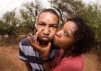 Você constrange seu filho adolescente? - Thinkstock