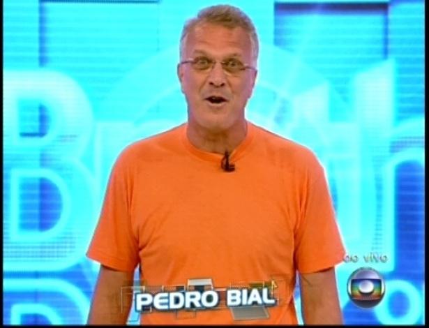 """No cenário novo do programa, Bial faz abertura do """"BBB13"""""""