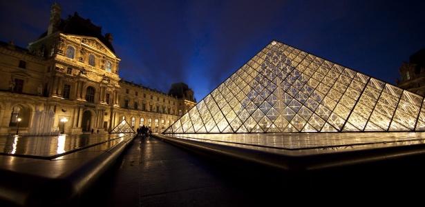 Imagem do museu do Louvre em Paris - EFE/IAN LANGSDON