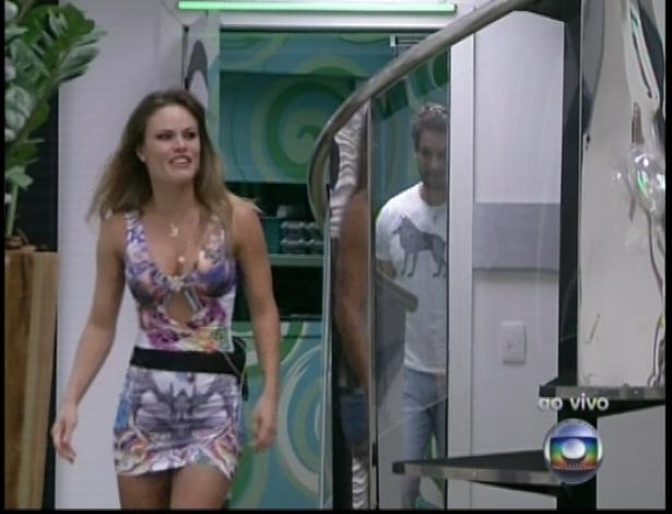 Natalia do BBB8 entra no BBB13