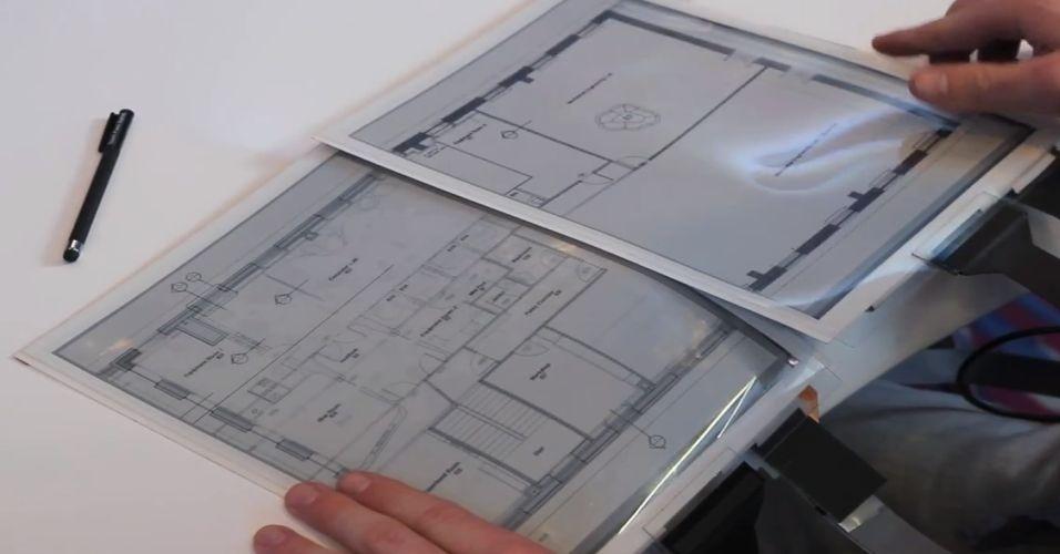 """O PaperTab é um conceito de tablet flexível. Com ele é possível realizar comandos dobrando a ponta da tela para trás ou para frente, passar informações entre esse tipo de equipamento somente tocando a tela. No entanto, só é possível abrir um app por vez, ao contrário do que acontece em tablets tradicionais. O produto, que foi desenvolvido em uma parceria da Sony, Universidade Queens do Canadá e a empresa britânica Plastic Logic, ainda não tem previsão de chegada no mercado ou preço. Clique em """"Mais"""" para ver o tablet funcionando"""