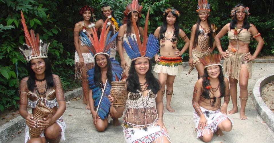 Categoria indígena também conta com as rainhas, cujo desempenho colabora para a performance da respectiva equipe