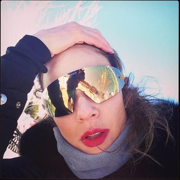 9.jan.2013 - A apresentadora Luciana Gimenez publica foto na neve