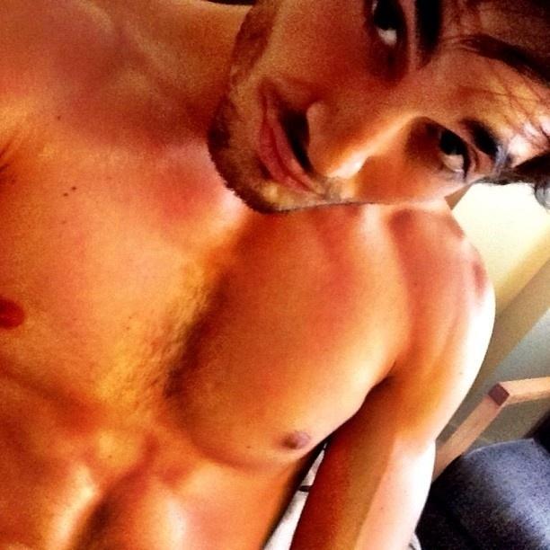 9.jan.2013 - Fiuk publica foto sem camisa