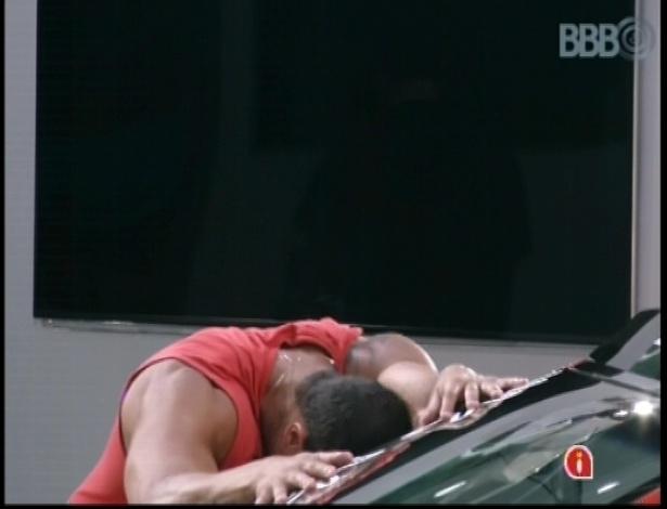 Bambam mostra primeiros sinais de cansaço durante a prova