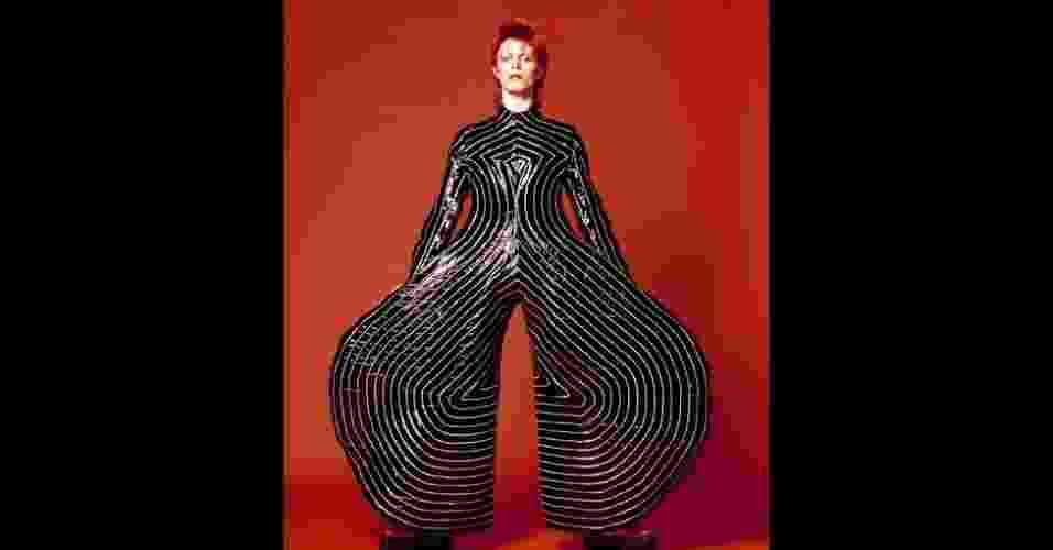 """10.jan.2013 - Imagem da exposição """"David Bowie É"""" em Londres - Sukita/The David Bowie Archive"""