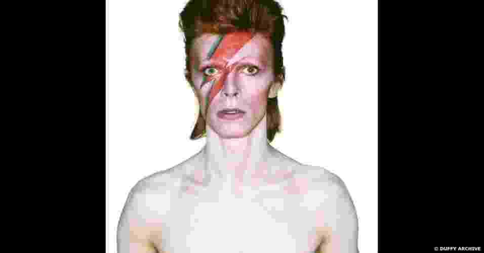 """10.jan.2013 - Imagem da exposição """"David Bowie É"""" em Londres - Duffy Archive"""