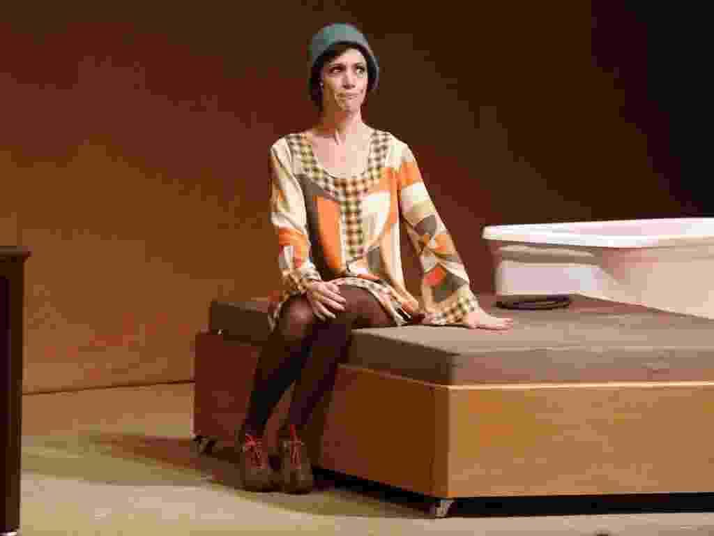 """9.jan.2013 - A atriz Bel Kutner em cena do espetáculo """"Oportunidade Rara"""", de Hamilton Vaz Pereira - Roberto Filho/AgNews"""