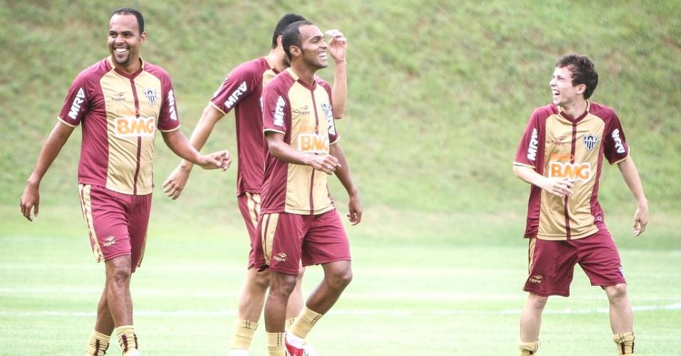 Alecsandro e Richarlyson durante treino do Atlético-MG na Cidade do Galo (9/1/2013)