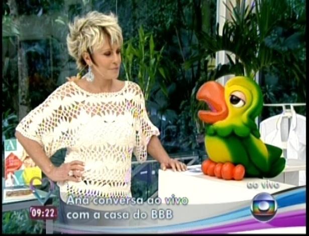 """11.jan.2013 - Apresentadora Ana Maria Braga pergunta como os brothers estão durante o programa """"Mais Você"""""""