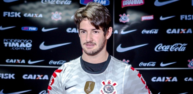 Alexandre Pato foi anunciado como jogador do Corinthians em 3 de janeiro de 2013