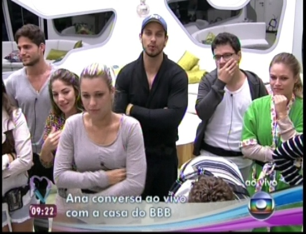 """11.jan.2013 - Participantes conversam com Ana Maria Braga ao vivo no programa """"Mais Você"""""""
