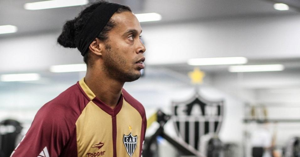 Ronaldinho Gaúcho faz exercício na academia do Atlético-MG, na Cidade do Galo (11/1/2013)