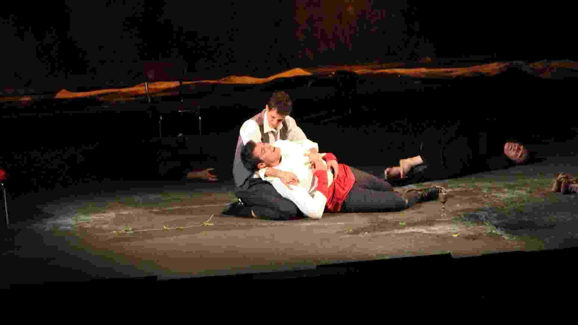 """11.jan.2013 - Thiago Lacerda reestreia a peça """"Hamlet"""" como protagonista no Teatro Tuca, em São Paulo - Thiago Duran/AgNews"""