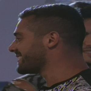 "Yuri Fernandes entra no ""BBB13"" e cumprimenta brothers"