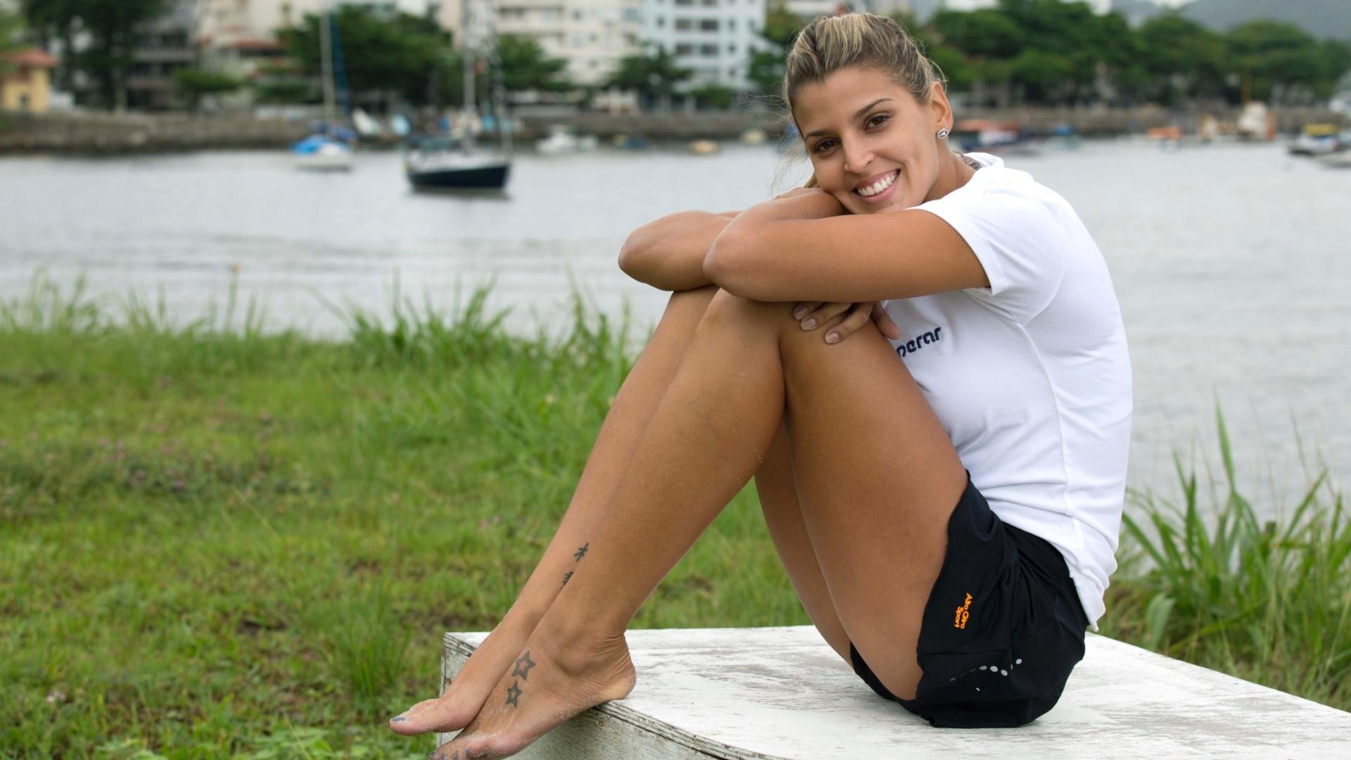 13.jan.2012 - Mari Paraíba posa para o UOL Esporte após treino na Escola de Educação Física do Exército, no Rio de Janeiro
