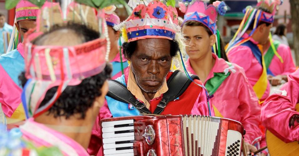 13.jan.2013 - A cidade de Atibaia, no interior de São Paulo, recebe neste domingo (13) o 11º Encontro de Congadas, tradicional evento em que se reúnem grupos da manifestação cultural e religiosa que possui origem africana e influência ibérica