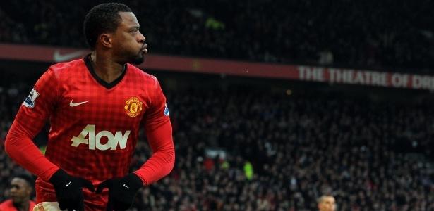 Evra em uma partida pelo Manchester United, em 2013
