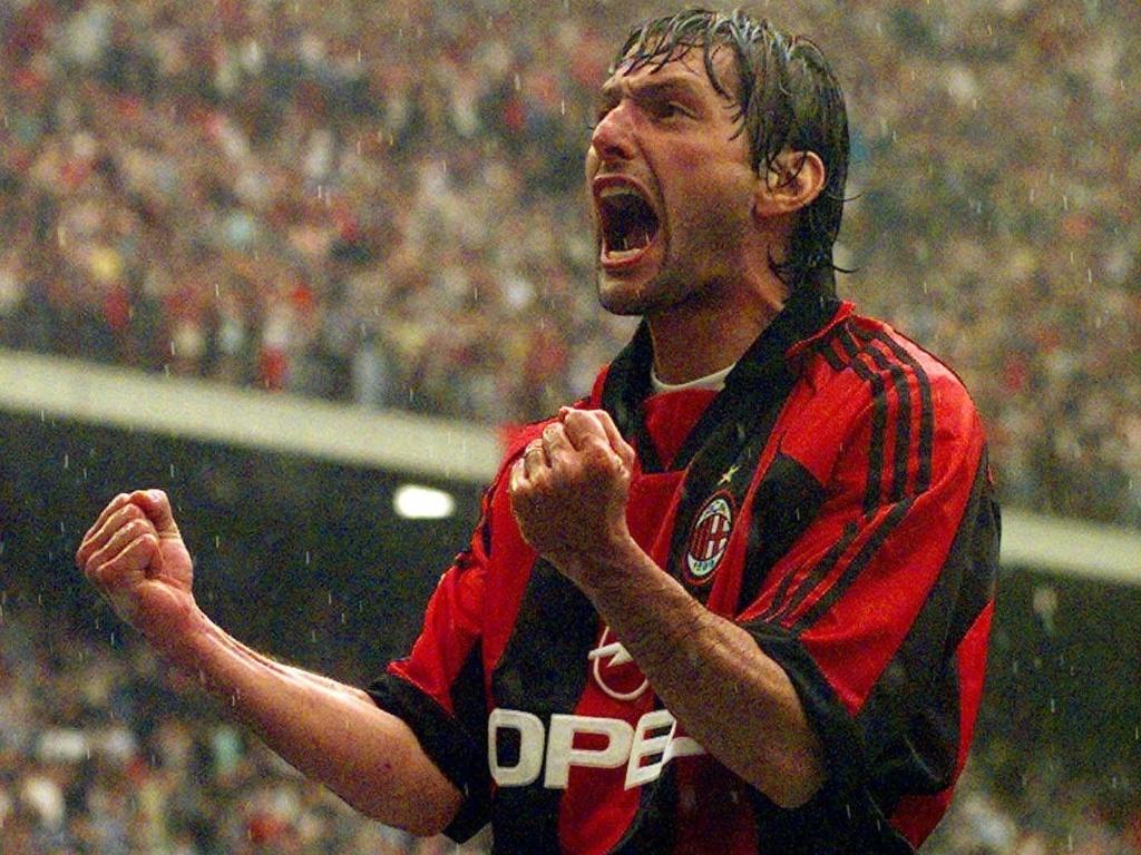 Contratado pelo Milan em 1997, Leonardo já se aproximava dos 30 anos, mas deixou sua marca no clube com gols e títulos