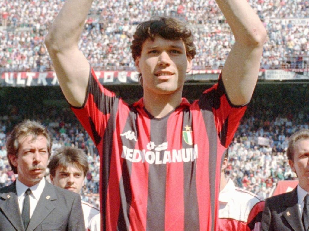 Ídolo e principal nome do trio holandês do vitorioso Milan dos anos 90, Van Basten ficaria apenas no sonho dos torcedores rubro-negros