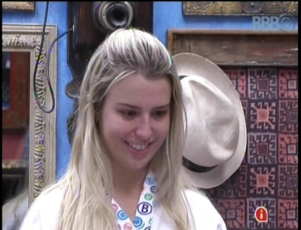 14.jan.2013 - Fernanda chorou e disse que ainda não encontrou seu perfil na casa