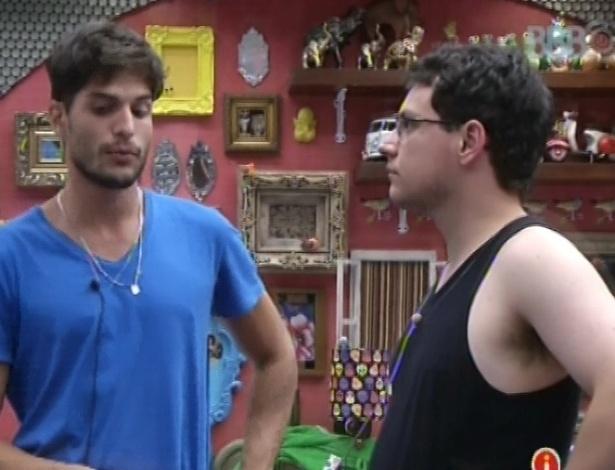 14.jan.2013 - André pede desculpas a Ivan por indicação ao Paredão