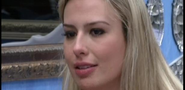14.jan.2013 - Fernanda pede desculpas a Ivan por indicação ao Paredão