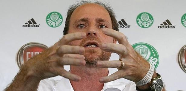 Nilton Petrone (f), o Filé, trabalhou com Luxemburgo em vários clubes brasileiros
