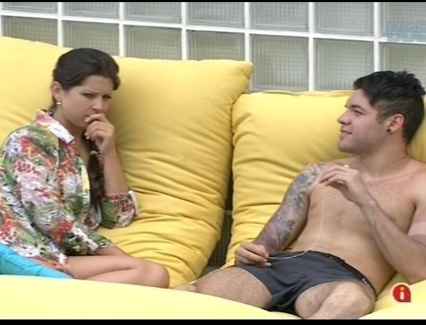 Andressa a Nasser conversam sobre a situação deles na casa