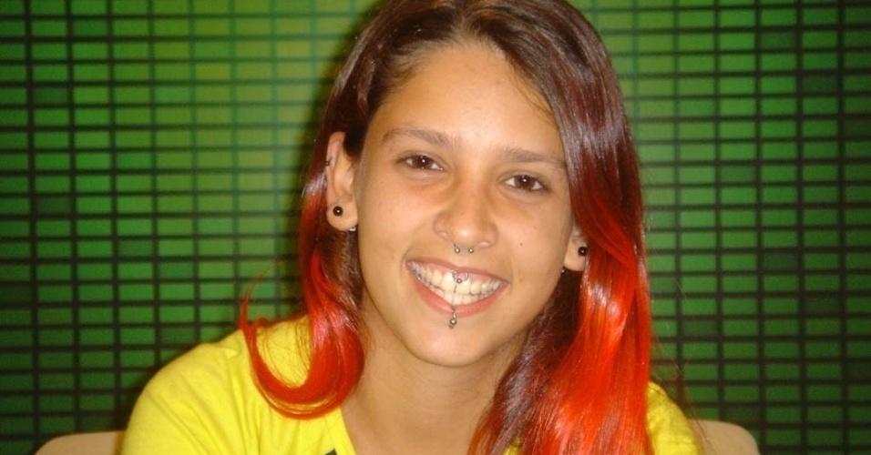 """Juliana Brandão não resistiu a uma berlinda com o futuro campeão Jean Willys e foi a primeira a deixar o """"BBB5"""", com apenas 50,49% dos votos"""