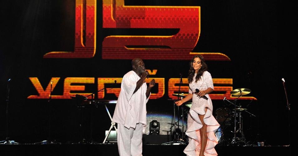 16.jan.2013 - Ivete Sangalo canta com Lazzo Matumbi, abrindo o Festival de Verão16.jan.2013 - Ivete Sangalo canta com Lazzo Matumbi, abrindo o Festival de Verão de Salvador