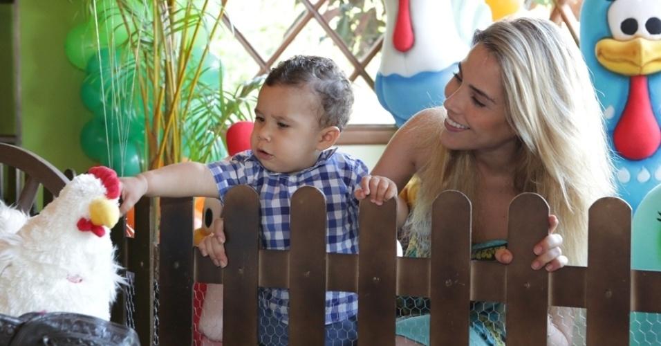 16.jan.2013 - Wanessa celebrou o primeiro ano do filho, José Marcus, com festa na fazenda da família em Goiânia