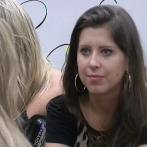 Andressa pede conselhos à Fani sobre relacionamento com Nasser